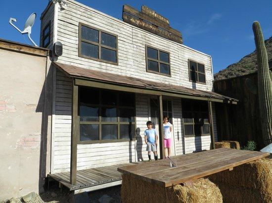 Scottsdale Camelback Resort : Oldtimey western town