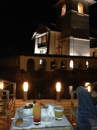 Aranwa Sacred Valley Hotel & Wellness: Apericena vista laghetto