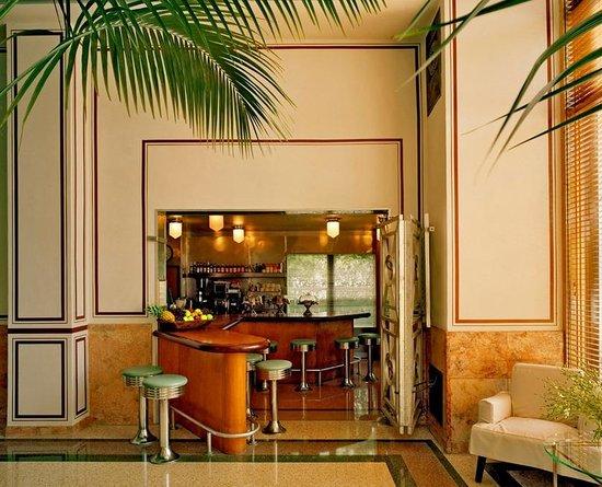The Raleigh Miami Beach Coffee Bar