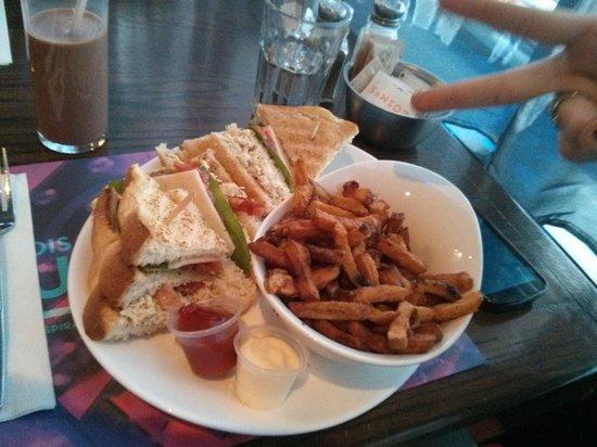 Cosmos Sainte-Foy : club sandwich
