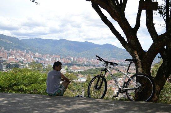 Cerro Nutibara: Un ciclista