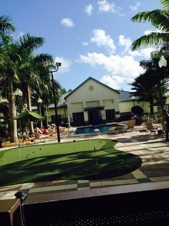 Homewood Suites by Hilton Orlando Airport: Pool area