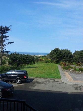 Gold Beach Inn : view from my window