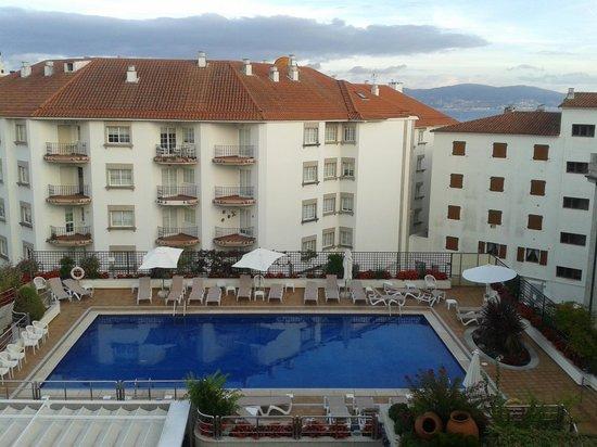 Hotel Carlos I Silgar: en verano piscina y playa