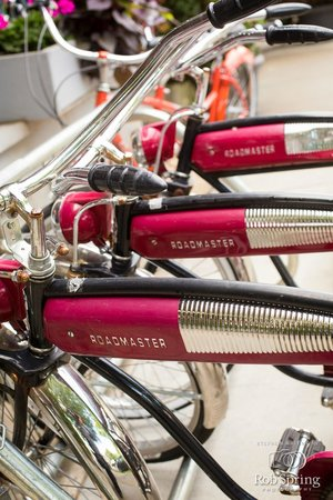 The Inn at Saratoga : Vintage Bikes