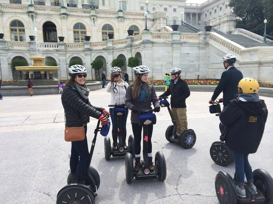 Bike and Roll DC: Max 8 riders per group