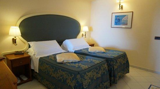 Hotel Eden Roc : ベッド