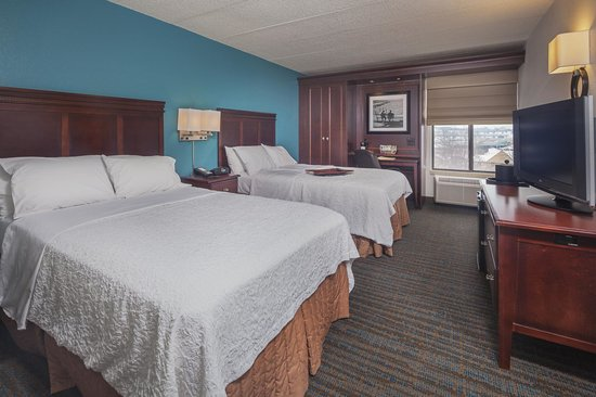 Hampton Inn Madison East Towne Mall Area: 2 Queen Bed Room
