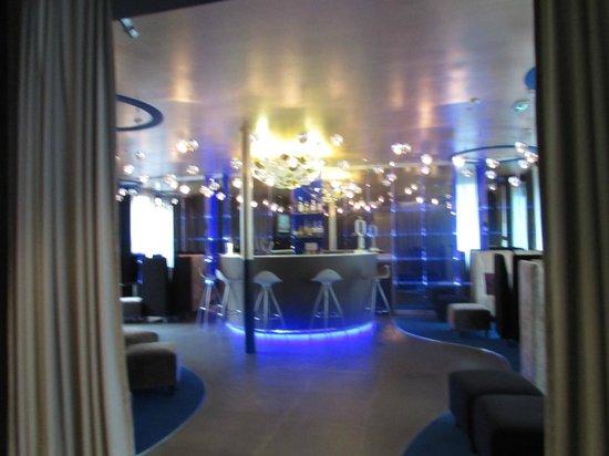Seven Hotel Paris: Lovely Bar