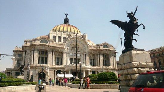 Historic Center (Centro Historico) : Palacio Belas Artes