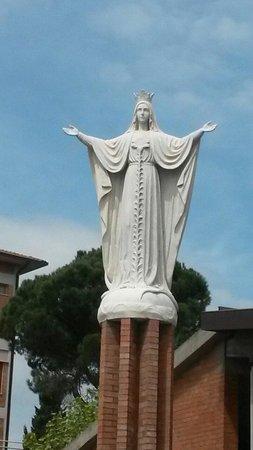 "Collevalenza, Ιταλία: Madonna  ""MARIA MEDIATRICE"""