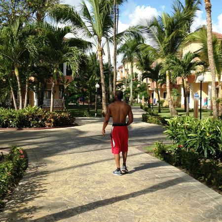 Luxury Bahia Principe Esmeralda Don Pablo Collection: 9am on the hotel grounds after visiting the Ambar Gimnasio