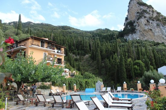 Dina's Paradise Hotel & Apartments: View from pool