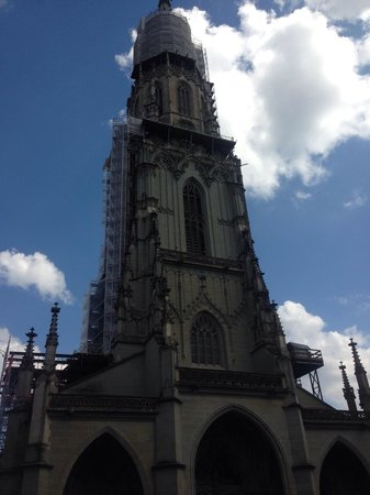 Cathedral at Munsterplatz / St. Vincent (Munster Kirche): View of cathedral from ground