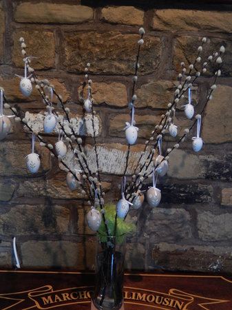 Moor View Bed and Breakfast: Easter decorations
