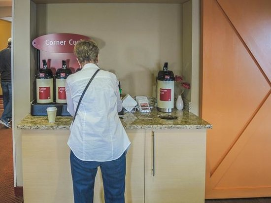 TownePlace Suites Bowling Green: Coffee awaits