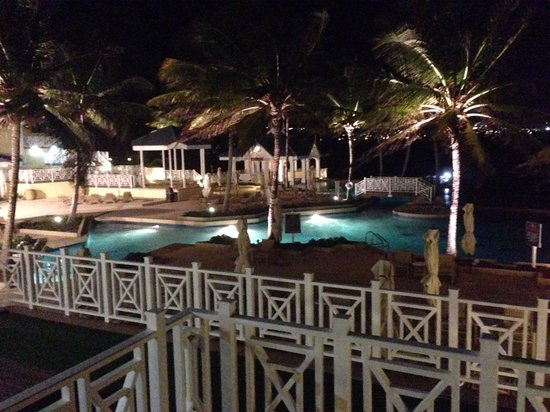 Magdalena Grand Beach & Golf Resort: Night view from Robinson Crusoe bar deck