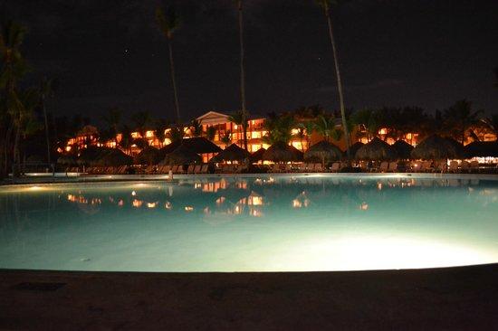 Iberostar Punta Cana: Pileta de noche