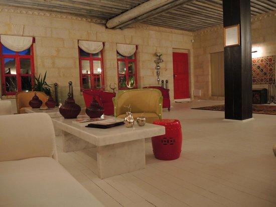 Hezen Cave Hotel : lobby