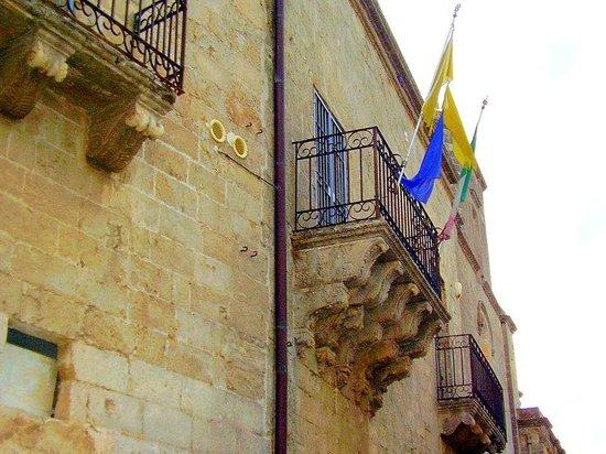 Palazzo Caniglia