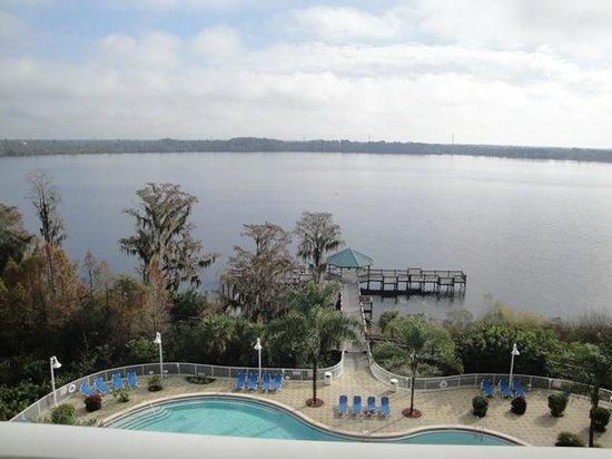Blue Heron Beach Resort: Vista para o Lago
