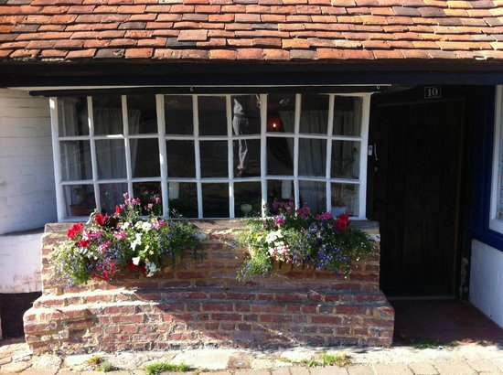 The Bakehouse: The 600 year old window