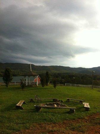 Meadow Creek Mountain Ranch: Fire ring and Gazeebo