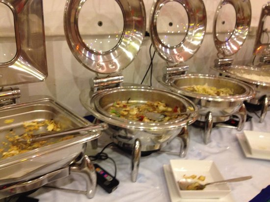 Metro Resort Pratunam: 朝食ビュッフェ5  無くなったら補充が無いものがほとんど