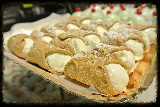Food Tours of Rome: Cannolinis at Nonna Vincenza