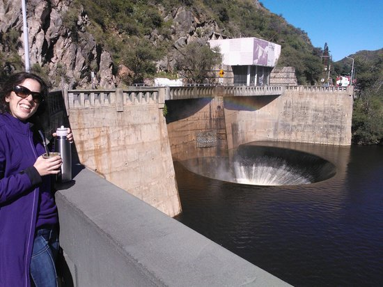 El Dique San Roque Y El Embudo: El pozo
