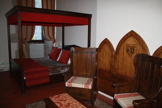 Chateau des Ducs de Joyeuse: Une chambre classique
