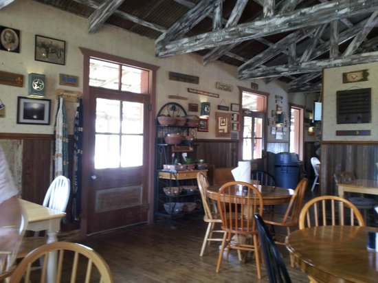 Sisterdale Smokehouse: Interior