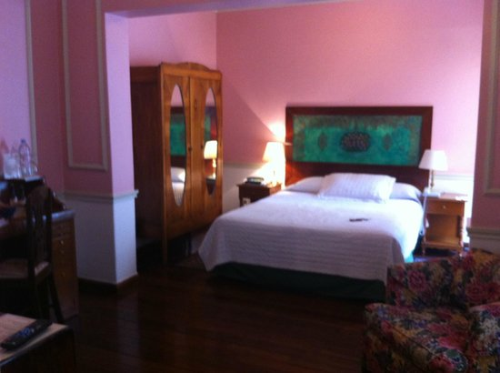 Hotel La Casona: the bedroom