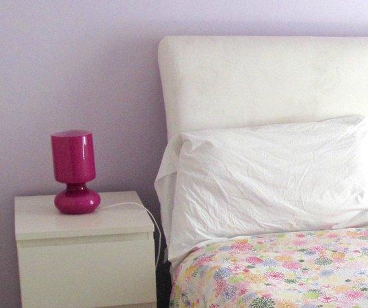 Fragolino Hostel: The Purple Room :D