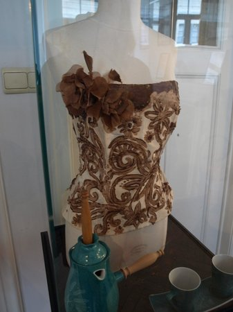 Museum of Cocoa and Chocolate (Musee du Cacao et du Chocolat) : Chocolate Corset