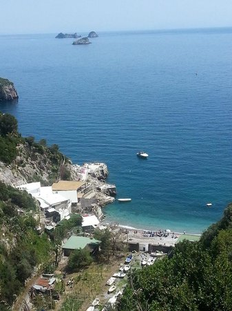 Villaggio Syrenuse: Ecco il panorama che si vede dalla terrazza ove ci si può immergere nel panorama degustando un o