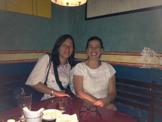 El Manantial : Con mi amiga Adelita San Vicente, de visita a la Sirena Gorda