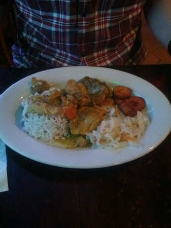 Flava Caribbean Food and Rum Bar : Curry Chicken