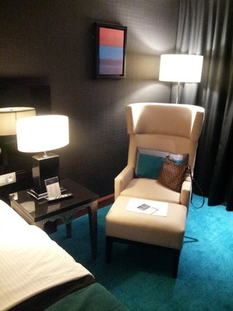 Radisson Blu Royal Hotel, Brussels : Coin repos dans notre chambre