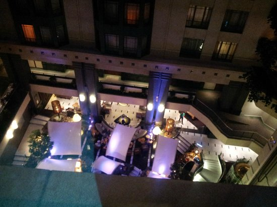 Radisson Blu Royal Hotel, Brussels : Vue vers l'Atrium