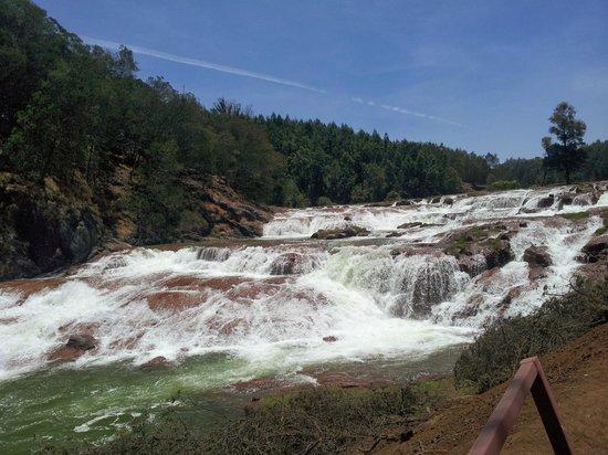 Pykara Lake and Pykara Falls: Pykara Falls
