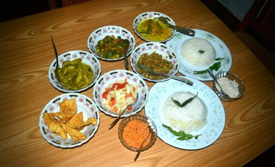 Ananda Home Stay : Food Glorious Food