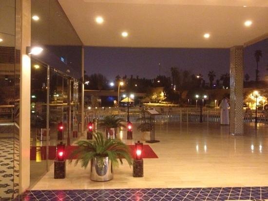 Mondo Restaurant: Mondo Entrance