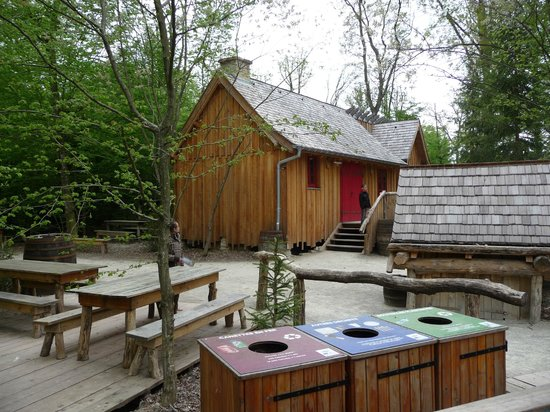 Parc Animalier de Sainte-Croix : zone yellow stone