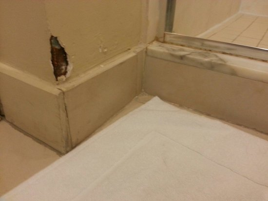 Pier Sixty-Six Hotel & Marina: Nothing like a little drywall patch once in awhile