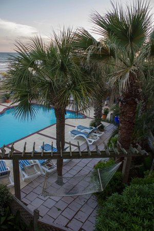 The Winds Resort Beach Club: Ocean Front Pool, The Winds Resort