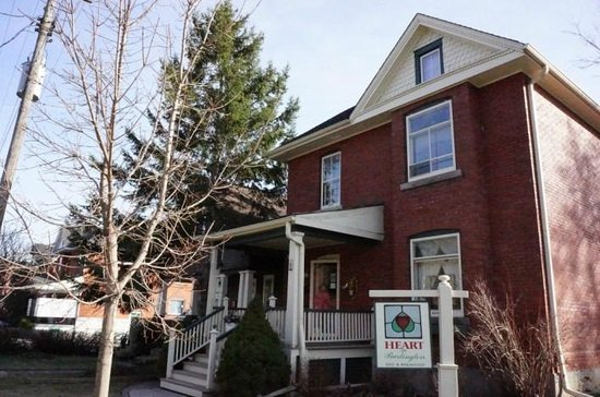 Heart Of Burlington Bed and Breakfast: House appearance