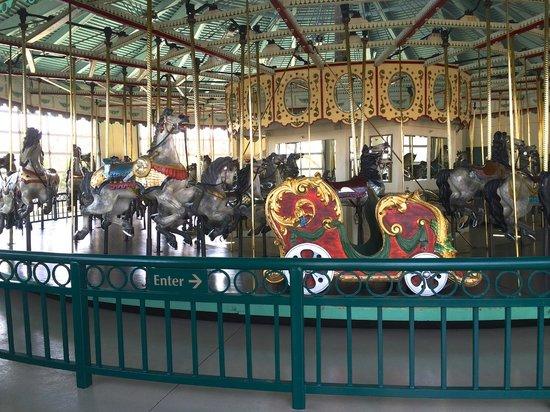 Cafesjian's Carousel : The carousel today