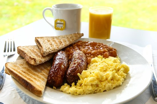 Holiday Inn Express Manchester Airport : Breakfast