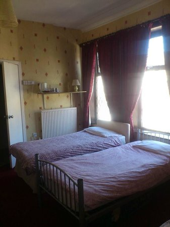 Leatham Park Guest House: Large room sleeping up 6 people